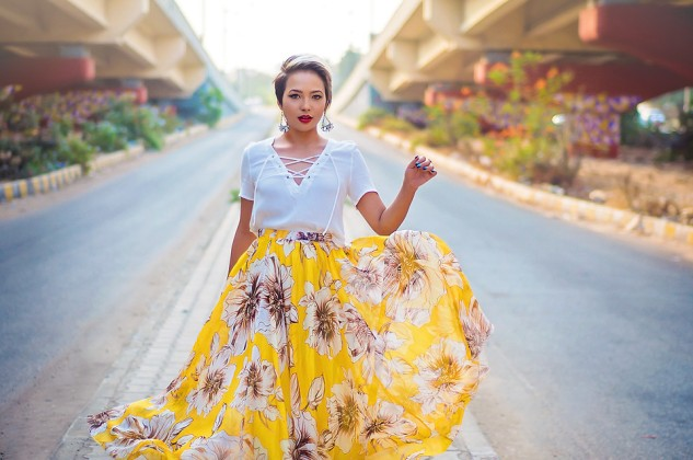 4884154_Floral_Maxi_Skirt-_Lace_up_top_-_Golden_hour_Fashion_Photography_-_Streetstyle_Fashion_Editorial_-5