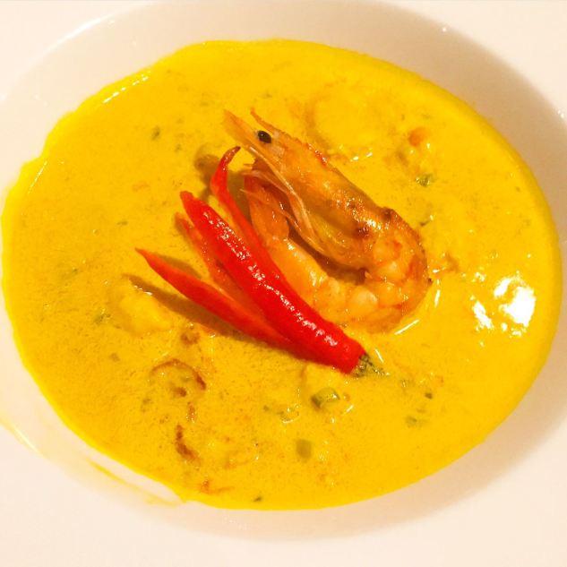 pipo-restaurante-moqueca-de-camarao-com-arroz-de-coco-e-farofa-de-maracuja
