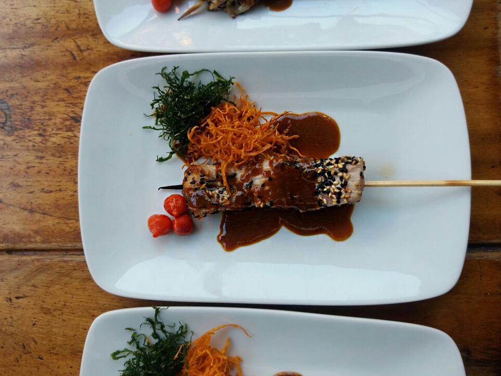 ryori-sushi-lounge-espeto-de-barriga-de-atum-com-molho-e-gergelim-01