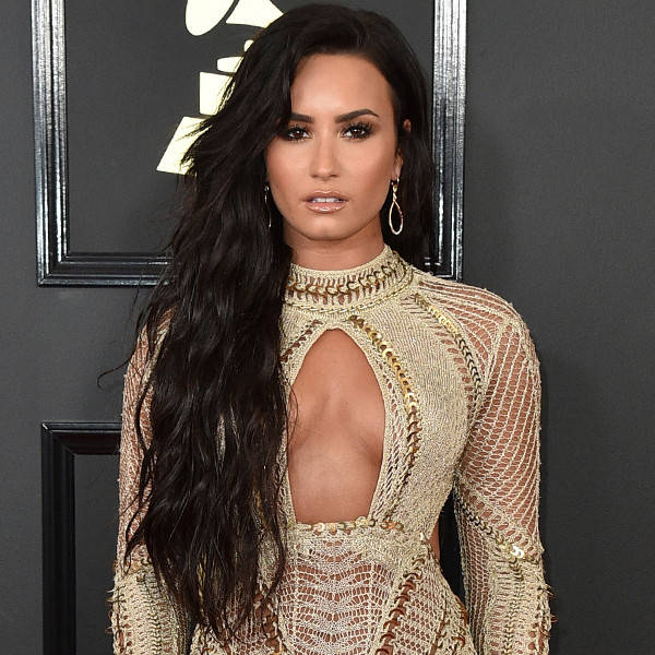 rs_600x600-170212163804-600-2017-grammy-awards-arrivals-demi-lovato
