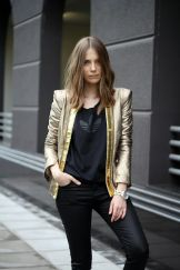 911dbe98d3e1459d4da61921d5119cb0--gold-jacket-metallic-jacket