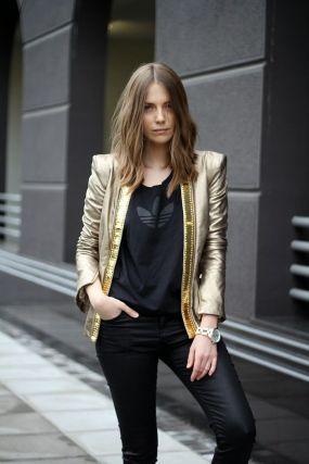 911dbe98d3e1459d4da61921d5119cb0--gold-jacket-metallic-jacket