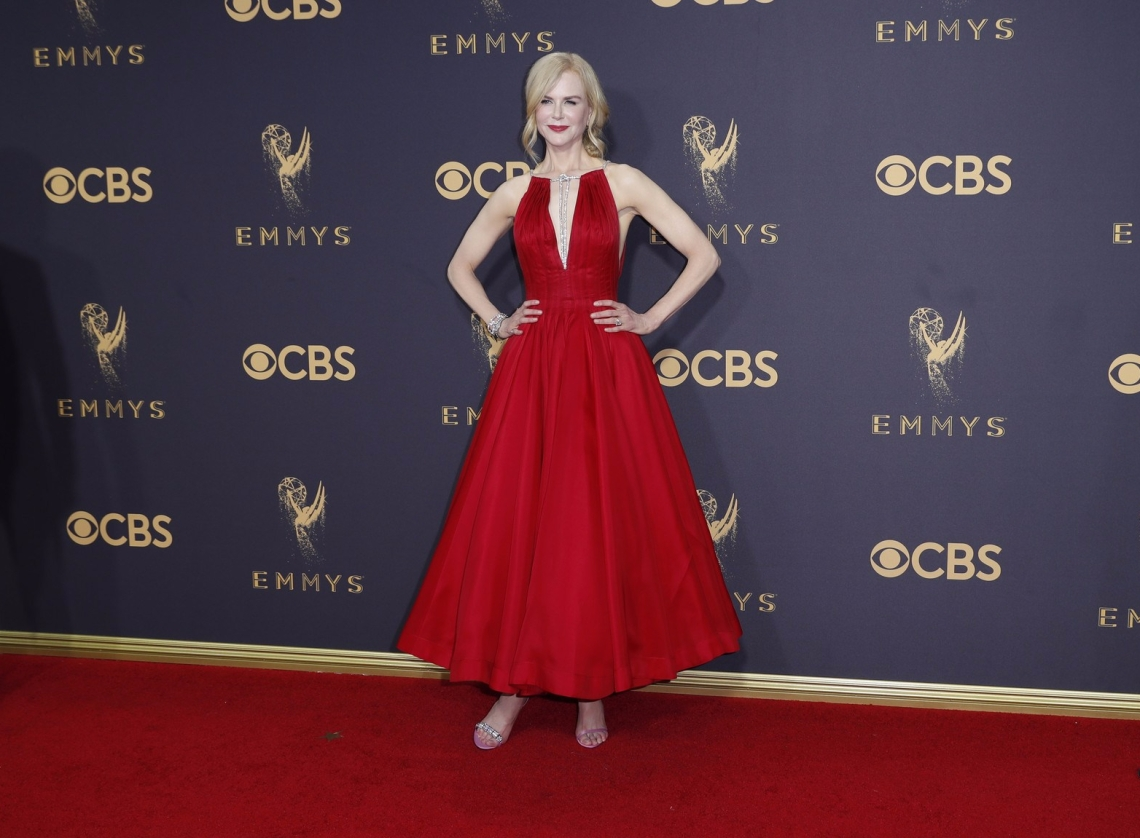 la-et-emmy-awards-2017-red-carpet-fashion-pictures