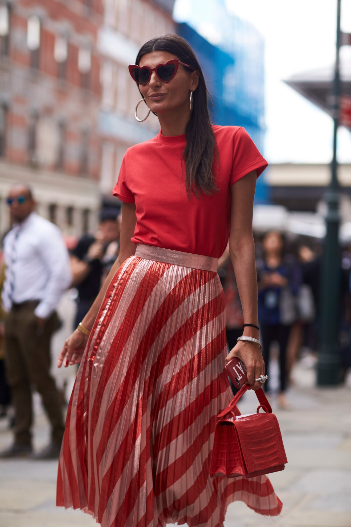 fashion_week_streets_0917_nyfws_day3_bis_imx_131_hr
