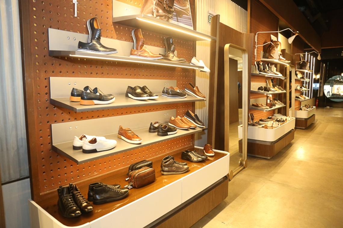 Homem do Sapato 2